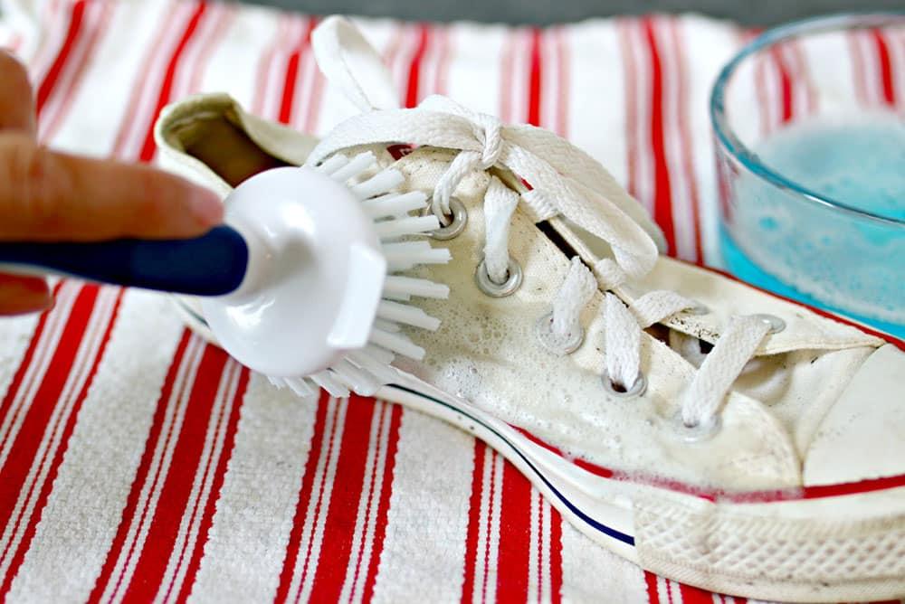 Beyaz Ayakkabı Temizliği Şampuan Fırça