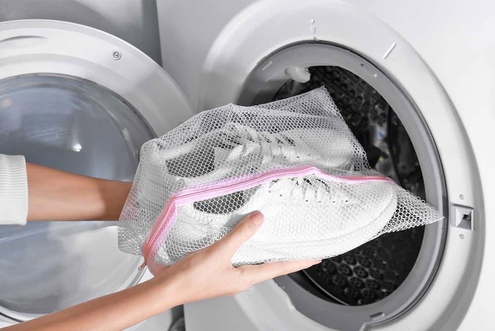 Spor ve Bez Ayakkabıları Makinede Yıkayabilirsiniz